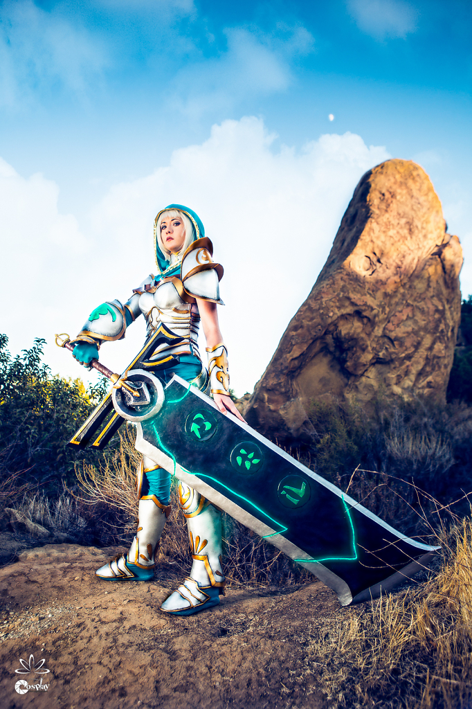 Zerina-Cosplay-Redeemed-Riven-by-FiveRings-Photography-3.jpg